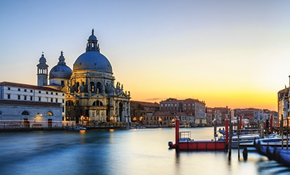 Picture of Venice at dusk